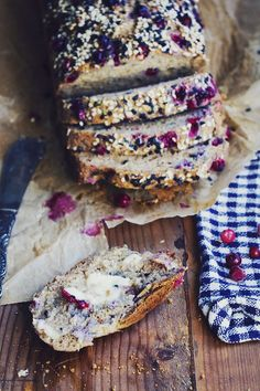 Gluten-free bread with cranberries & zuchini Raw Food Recipes, Baking Recipes, Swedish Dishes, Pan Sin Gluten, Bagan, Bread Baking, Food Inspiration, Love Food, Cravings