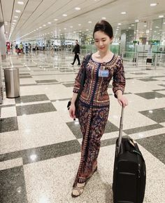 Flight Girls, Airline Cabin Crew, Flight Attendant, Stay Strong, Chen, Asian Beauty, Singapore, Jumpsuit, Challenges