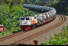 RailPictures.Net Photo: CC2061357 PT Kereta Api Indonesia GE CM20EMP at Jenar, Indonesia by Rendra Swariyan Habib
