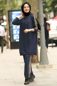 NEVA STYLE - NAVY BLUE HIJAB SUIT 8220L Hijab Style Dress, Hijab Outfit, Modest Fashion, Hijab Fashion, Fashion Outfits, Jogging, Outfit Look, Evolution Of Fashion, Hijabi Girl