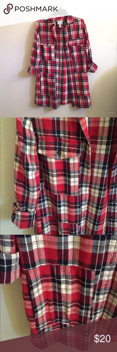 Long Plaid Button Down Cute long red plaid shirt! Very comfortable. Used twice so in great condition! Has pockets. Size Small. Forever 21 Tops Button Down Shirts