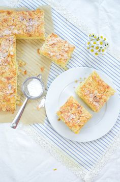Buttermilchkuchen von Mama Cereal, Breakfast, Food, Cake Batter, Sheet Pan, Sliced Almonds, Oven, Food Food, Cooking