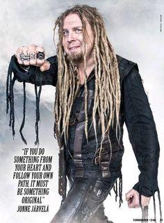 Photo from Terrorizer magazine.