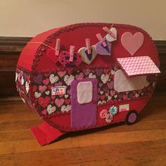 44 Happy Camper Valentine Gift Card Ideas - Camper And Travel penitifashion Valentine Day Boxes, Valentines For Kids, Valentine Day Crafts, Valentine Party, Valentine Ideas, Happy Campers, Diy For Kids, Crafts For Kids, School Parties