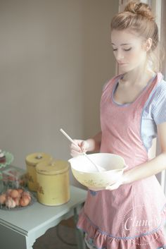 I look like this in the kitchen, right?