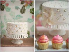 iridescent icing & cute cake!