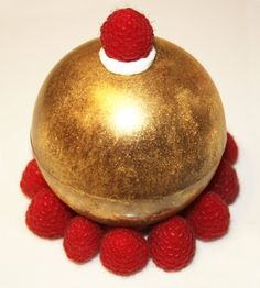 La Sphère d'Or - chocolate sphere with edible gold powder and filled with stuff