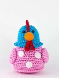 Chicken Kitty is crochet with coton and a mm crochet hook and is about 12 cm tall. ​This is a basic pattern. ​Crochet the chicken in different colors and sew spots on te body. Crochet Gratis, Crochet Teddy, Crochet Patterns Amigurumi, Irish Crochet, Crochet Toys, Free Crochet, Chicken Pattern, Crochet Chicken, Easter Crochet Patterns