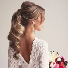 10 peinados para novias con pelo largo | 5. Coleta