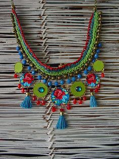 MERAH NECKLACE