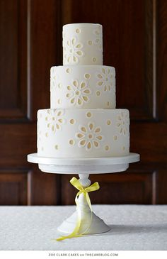 Luxury wedding cakes delivered across Brisbane and the Sunshine Coast. Zoe Clark Cakes also runs cake decorating classes. White Wedding Cakes, Beautiful Wedding Cakes, Gorgeous Cakes, Pretty Cakes, Yellow Wedding, Lace Wedding, Amazing Cakes, Wedding Gowns, London Cake