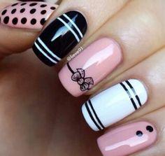 Pink*black*white nails.