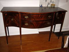 Hardwoods are special kind of woods that are extracted from dicot angiosperm trees. These special ki Mahogany Sideboard, Mahogany Furniture, Hardwood Furniture, Traditional Baths, Traditional Dining Rooms, Elegant Dining Room, Dining Room Design, Wood Bed Risers, Buffet Console