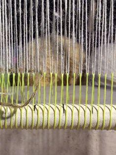 Technique for weaving 4-selvedge tapestry