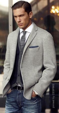 A brown wool blazer and navy jeans are absolute staples if you're piecing together a smart casual wardrobe that matches up to the highest menswear standards. Sharp Dressed Man, Well Dressed Men, Sports Coat And Jeans, Stylish Men, Men Casual, Smart Casual, Casual Jeans, Casual Clothes, Casual Male Outfits