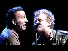 ▶ Bruce Springsteen WithGlen Hansard - Drive All Night - YouTube