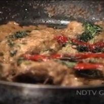 Try Aditya Bal's version of Himachali tawa murg. #Chicken pieces marinated in curd, cream and freshly ground garam masala.