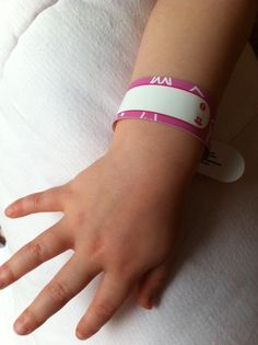 Identity Wristbands for Kids Giving Parents Peace of Mind #childsafety #travellingwithkids #familydays out http://kidsdotravel.co.uk/blog/2014/07/25/identity-wristbands-for-kids-giving-parents-peace-of-mind/