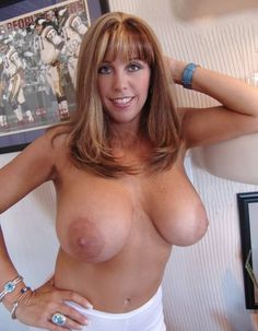 Hot braun nude babe