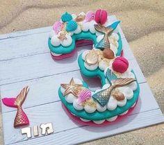 Broccoli and coconut cake - Clean Eating Snacks Mermaid Birthday Cakes, Mermaid Cakes, Beautiful Cakes, Amazing Cakes, Cake Cookies, Cupcake Cakes, Bolo Moana, Cake Lettering, Monogram Cake