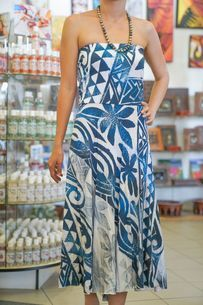 The Best Pacific and Samoa Shopping - Carvings, Crafts, Homeware and Gifts Samoan Dress, Island Wear, Polynesian Designs, Island Design, Green Dress, Stretch Fabric, Peacock, Dark Blue, Strapless Dress