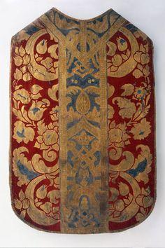 KASEL (MESSGEWAND) LM-1105.2 Kasel (Messgewand). Leder, Ornamente aus Gold und Silberfolie auf rotem Grund. Stola und Manipel. 1600 - 1700. (LM-1105.2)
