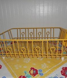 Vintage Pastel Yellow Rubbermaid Dish Drainer-Kitchen- Organizer- Plate…