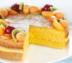 Pan-di-Spagna-farcito-con-crema_ricetta_full Biscotti, Sweet Cakes, Cheesecake, Food And Drink, Desserts, Recipes, Dessert Ideas, Queen, Chowder