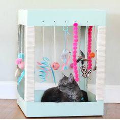 DIY Home Sweet Home: 7 brillante DIY-Tutorials für Katzenliebhaber - Vanessa Diy Cat Toys, Pet Toys, Cool Cat Toys, Cat Playhouse, Cardboard Playhouse, Cardboard Toys, Cardboard Cat House, Cardboard Fireplace, Cat House Diy