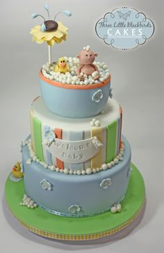 I must learn how to make cakes like this!! So darn cute!