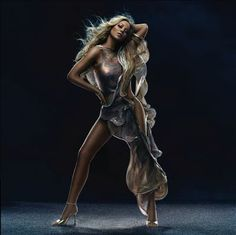 Mariah Carey.. My fav singer of all time!
