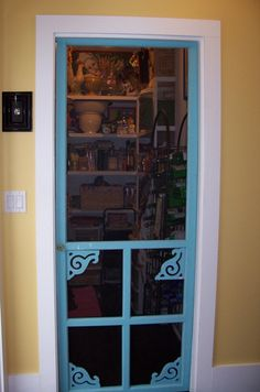 Exactly what I want to cover our closet/wood shed under the stairs except we will be painting ours red!