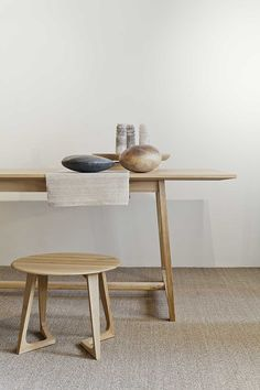 :: FURNITURE :: Table + stool