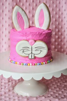 Easter Bunny Cake ideas for all the Bunny Kisses & Easter Wishes to get directed your way - Hike n Dip Easter Bunny Cake, Bunny Party, Easter Cupcakes, Easter Candy, Easter Cookies, Easter Treats, Easter Food, Bunny Cakes, Oreo