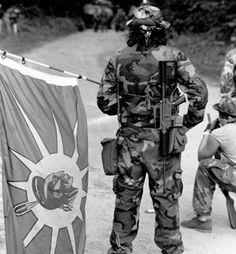 oka-1990-warrior-flag-1.jpg (300×324)