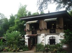 Filipino House! Spanish Colonial Homes, French Colonial, Spanish House, Philippine Architecture, Filipino Architecture, Architecture Design, Asian House, Thai House, Filipino House