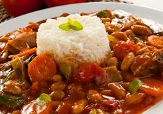 Goulash with rice. Delicious goulash with white rice , Dairy Free Recipes, Meat Recipes, Cooking Recipes, Healthy Recipes, Czech Recipes, Vegan Dishes, Food 52, Main Meals, Vegetable Recipes