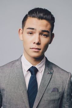 22 year-old Ryan Potter is perhaps best known for his starring role as Mike Fukanaga in Supah Ninjas and for voicing Hiro Hamada in Disney's. Timothy Drake, Tim Drake, All Marvel Movies, Ryan Potter, Beast Boy, Sharp Dressed Man, Thomas Brodie Sangster, Hollywood Celebrities, Teen Titans