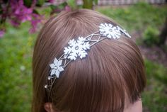 How to make a Frozen-inspired headband for a #Frozen birthday party or Elsa costume @Kathy Beymer from Merriment Design