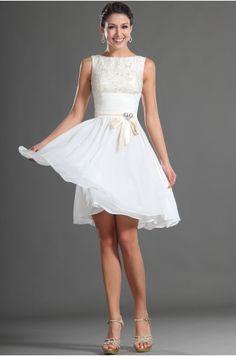 bílé krátké šaty