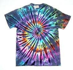 most-recent-no-cost-image-result-for-intrutions-tie-dye-shirt-ideas-thoughts/ - The world's most private search engine Tie Dye Crafts, Spiral Tie Dye, Tie Dye Fashion, Tie Dye Techniques, How To Tie Dye, Tie Dye Colors, Tie Dye Shirts, Cool Ties, Tie Dye Patterns