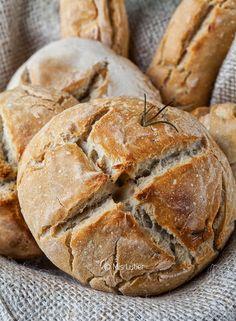 My Lutier: Garlic bread, potatoes and rosemary