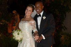 Fernanda Souza comemora 1 mês de casada com Thiaguinho:'Bodas de beijinho'   yahoo-entert-br-notas-omg - Yahoo Celebridades Brasil