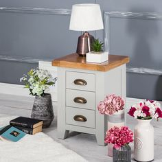 #chilternoakfurniture Hampshire Grey Painted Oak Small 3 Drawer Bedside Table A beautiful painted grey wooden bedside cabinet with rounded brass handles and a chunkier oak top than normal. A bold and fashionable item to brighten up your interiors. With furniture for the Bedroom, Living and Dining Room, you can indulge yourself fully or just simply pick and choose individual items depending on your requirements. Our prices are the lowest in the UK and won't be beaten anywhere else online