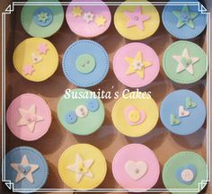 Cupcakes para Baby Shower!...#cupcakes #babyshower #baby #fiesta #celebracion #revealgenderparty  #ponquesitos #ponquesitosdecorados #susanitascakes #talentovenezolano