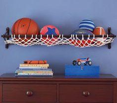 Resultado de imagem para como organizar bolas de futebol no quarto
