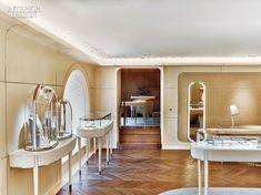 Place Vendome Inspires the Grandeur of Van Cleef & Arpels's Newest Paris Boutique