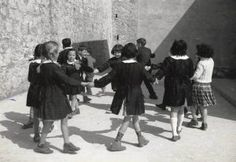 Play time at school in Greece What A Country, Old Time Photos, Greece Pictures, Greece Photography, Greek Culture, Black And White Wallpaper, Vintage School, The Old Days, Thessaloniki