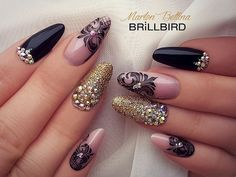 #nail #nailart #naildesign #nailfashion #america #usa #brillbird #martonbettina #bettinamarton #brillbird #training #nailtraining #handmade #handpainted #black #gold #crystalpixie #swarovski #műköröm #lace #csipke