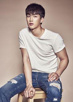 """Descendants of the Sun"" Ahn Bo-hyun to Shanghai with ""Hiya"" Handsome Asian Men, Handsome Korean Actors, Korean Star, Korean Men, My Only Love Song, Lee Hyun Woo, Choi Jin, Park Min Young, Korean Fashion Men"